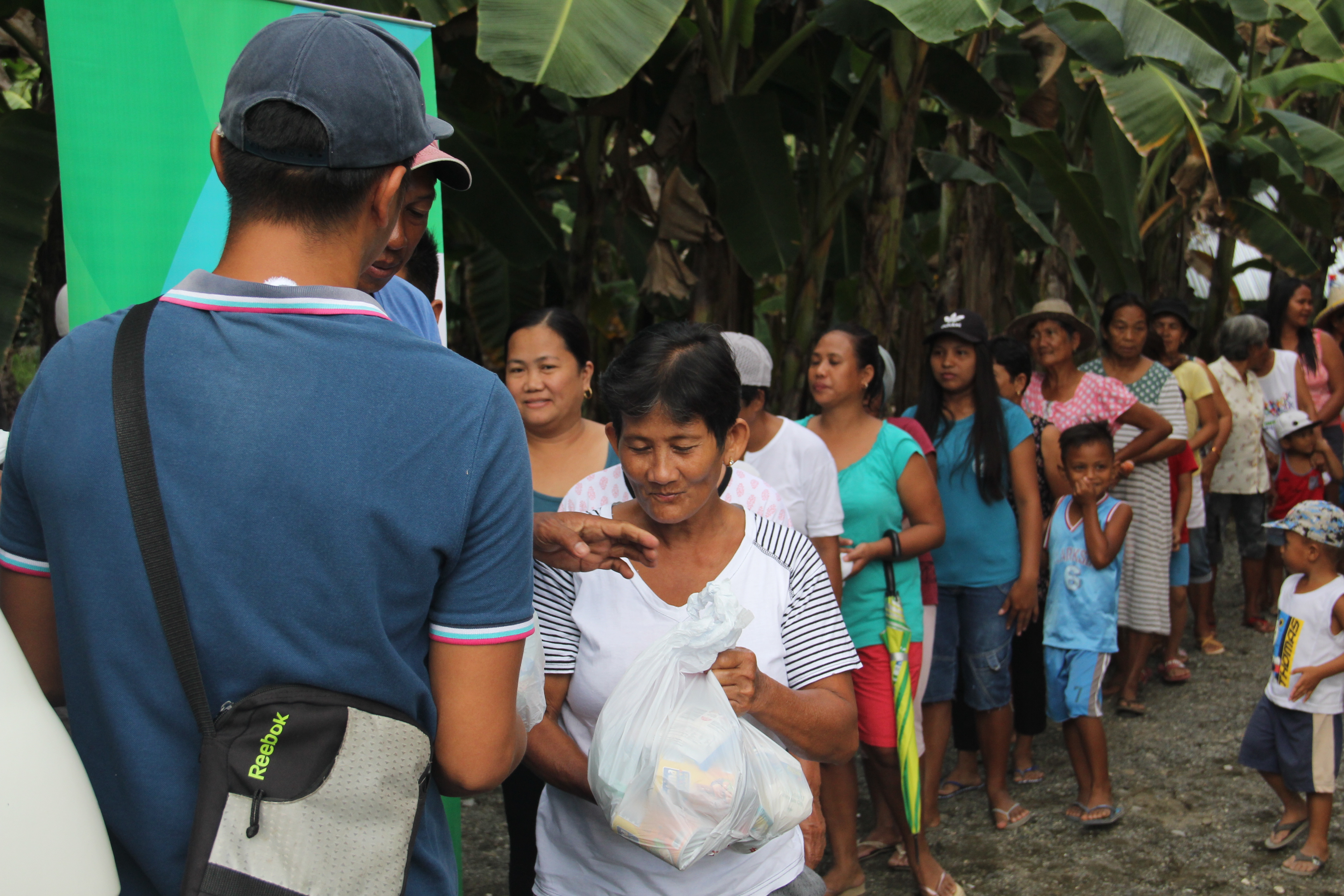 Mindoro residents receive relief assistance