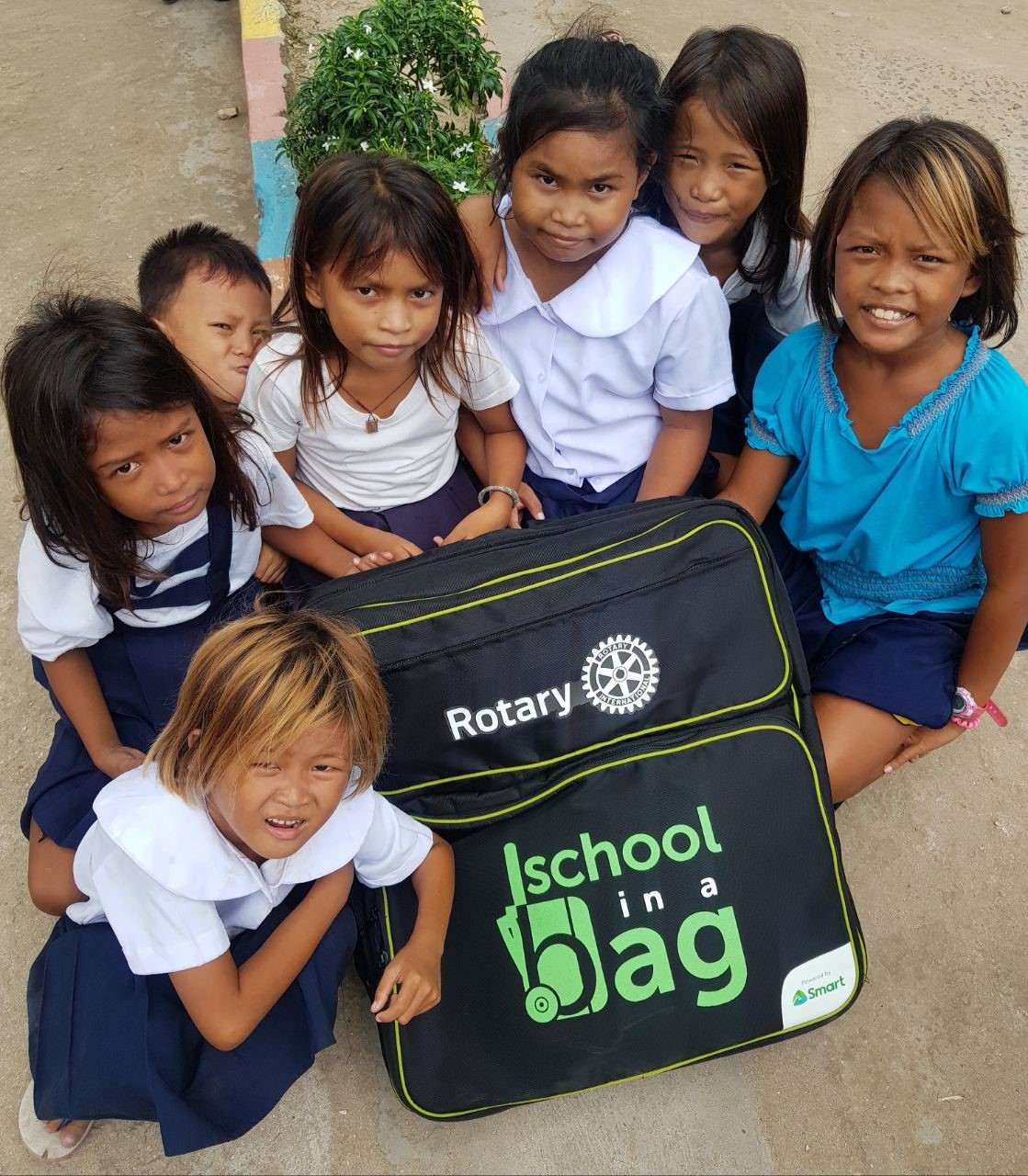 Rotarians donate digital learning kit to islet school