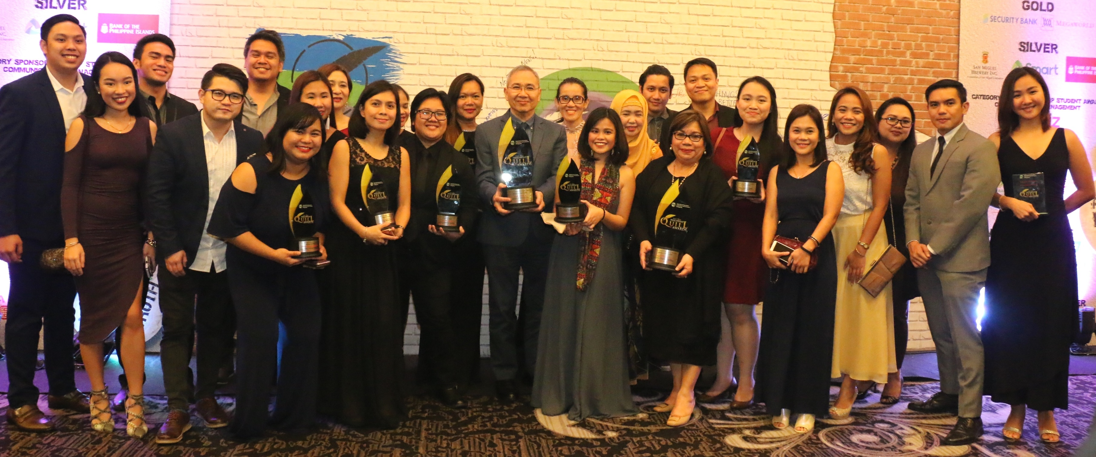 Smart bags 15 Quill Awards